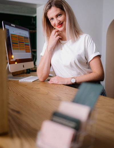 Anna-CEO